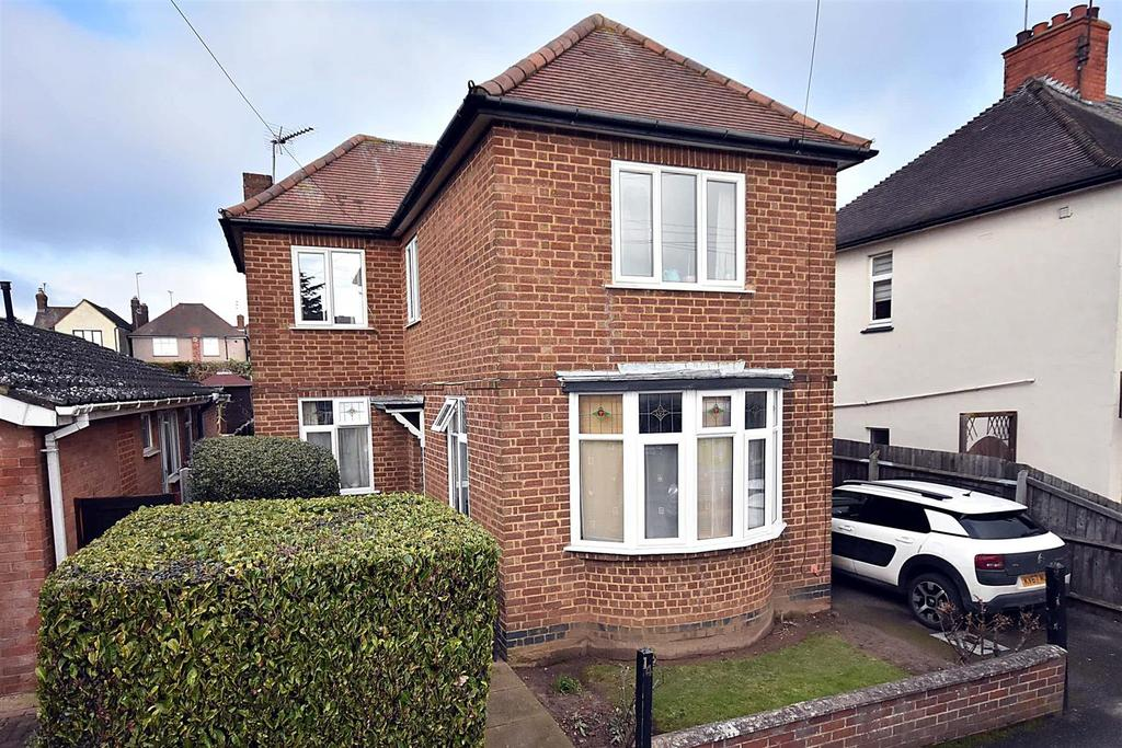 3 Bedrooms Detached House for sale in Masefield Road, Kettering