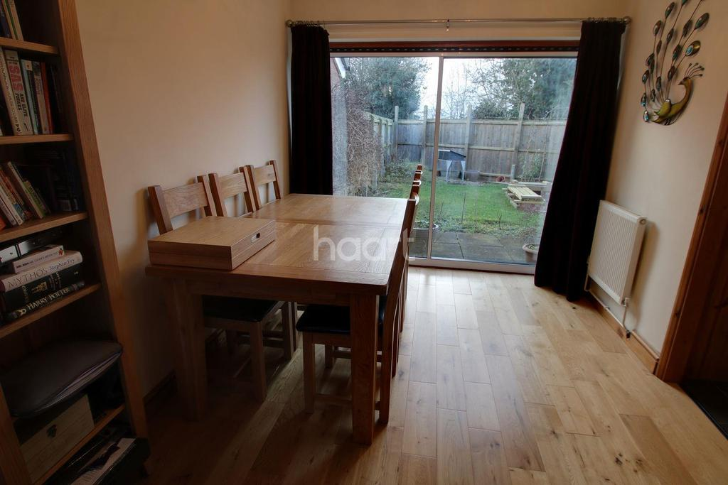 3 Bedrooms Semi Detached House for sale in Cromford Road, Cosby, Leicester