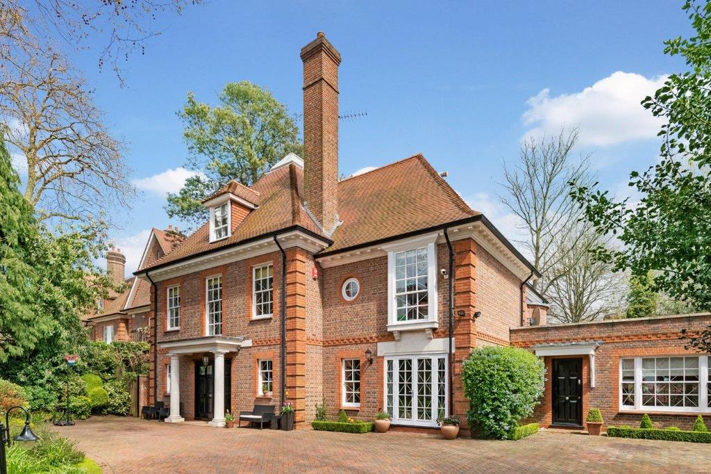 7 Bedrooms Detached House for sale in MARESFIELD GARDENS, HAMPSTEAD, LONDON NW3