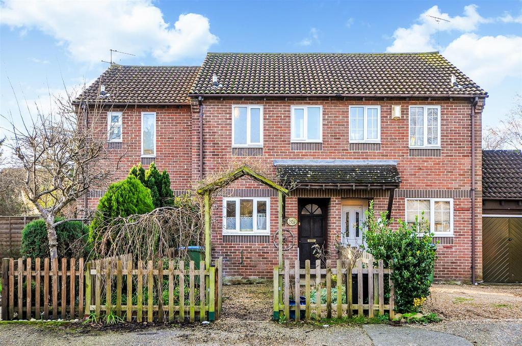 2 Bedrooms Terraced House for sale in Warren Way, Barnham