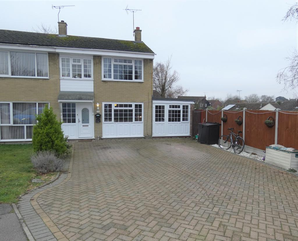 4 Bedrooms Semi Detached House for sale in Denham Close, Wivenhoe CO7
