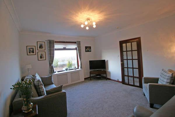 2 Bedrooms Flat for sale in 48 Innes Park Road, Skelmorlie, PA17 5BA