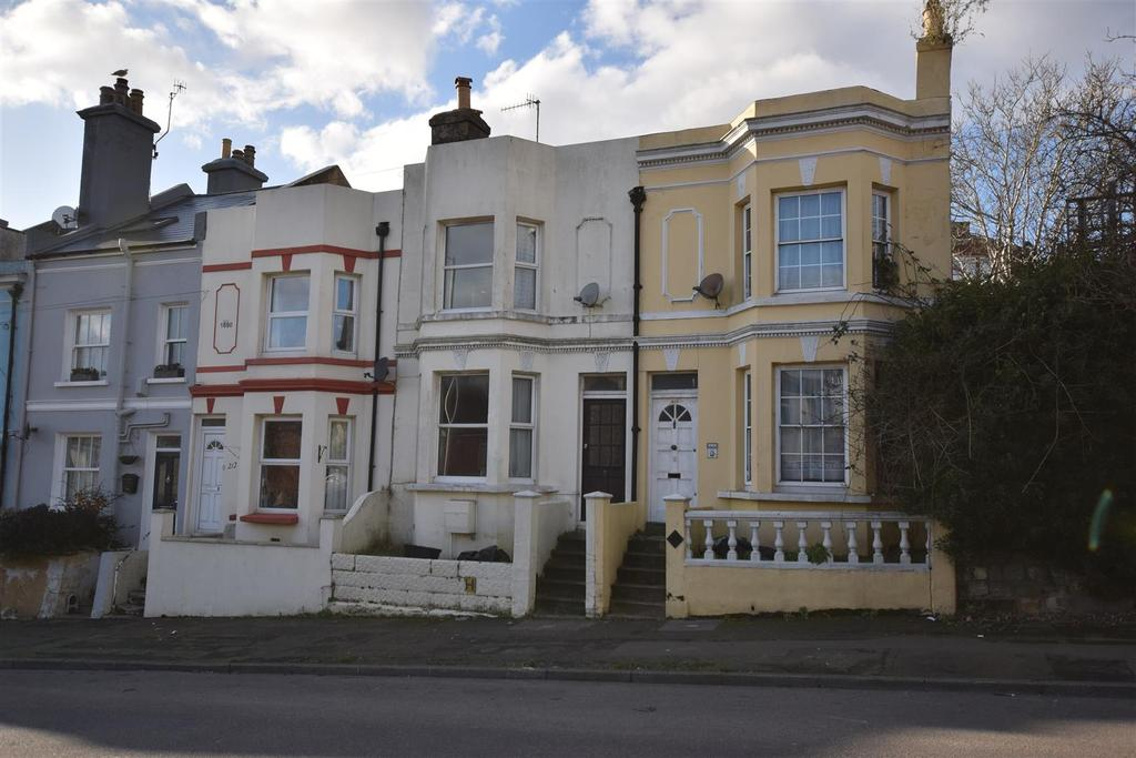 2 Bedrooms Terraced House for sale in Old London Road, Hastings