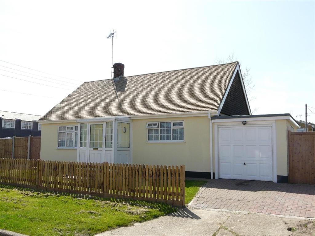 2 Bedrooms Bungalow for sale in Point Road, Canvey Island