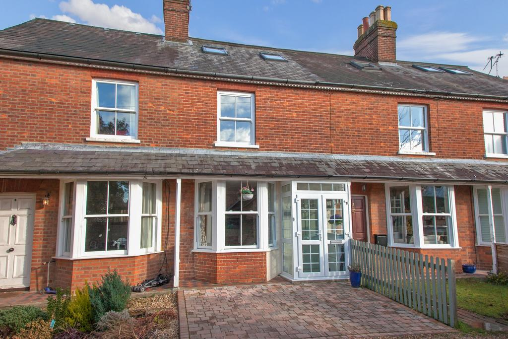 3 Bedrooms House for sale in Beaconsfield