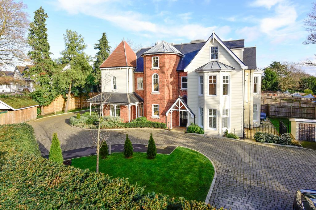 2 Bedrooms Apartment Flat for sale in Sycamore Court, Weybridge KT13