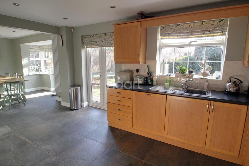 5 Bedrooms Detached House for sale in Kingsline Close, Thorney, Peterborough