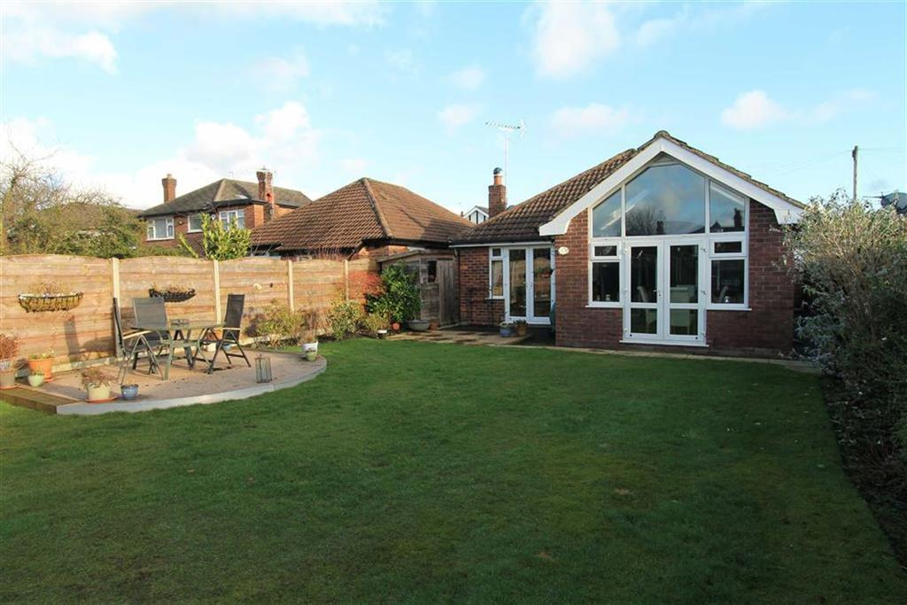 3 Bedrooms Bungalow for sale in St Johns Road, Wilmslow