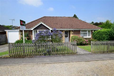 3 bedroom bungalow for sale - Lymington Gate, Caversham Heights, Reading