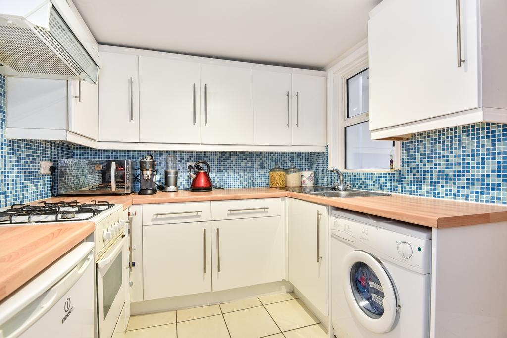 2 Bedrooms Terraced House for sale in Denmark Road London SE25