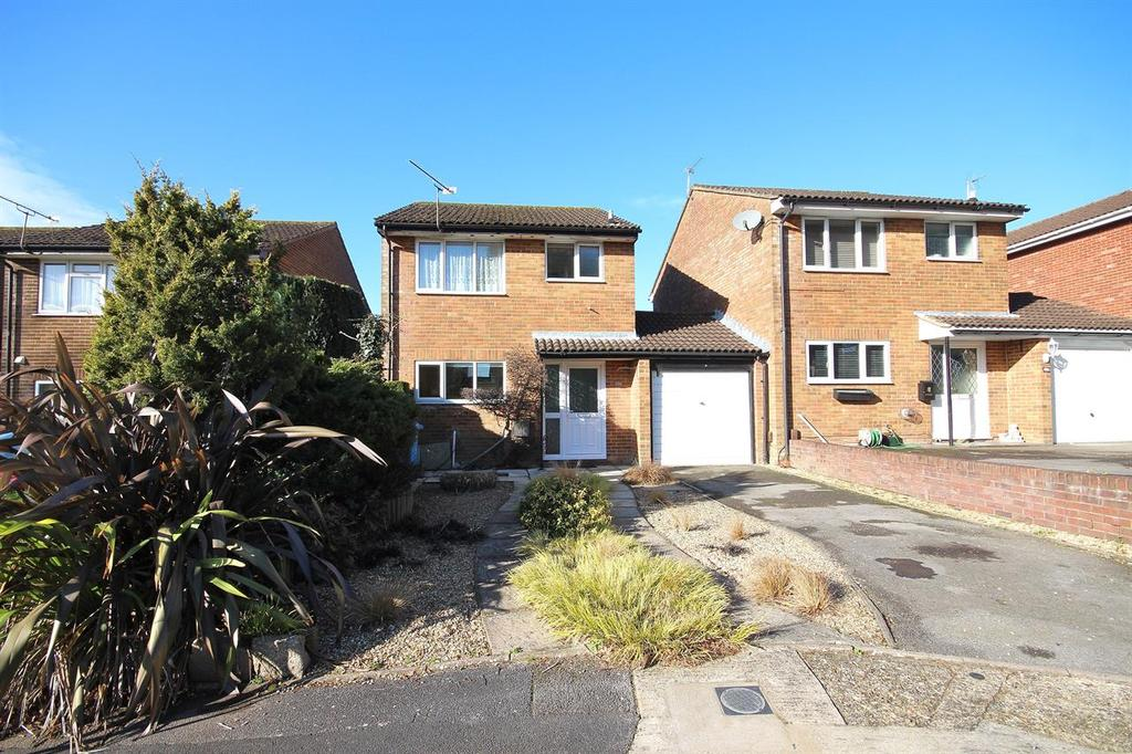 3 Bedrooms Link Detached House for sale in Hasler Road, Poole