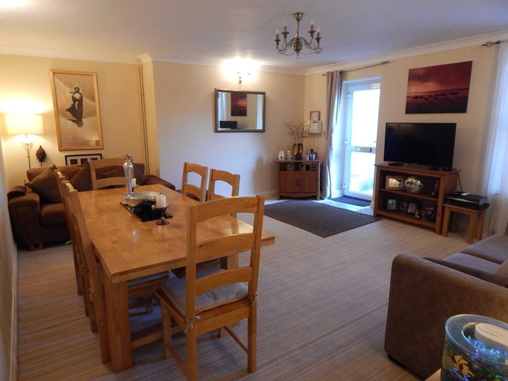 1 Bedroom Flat for sale in Harbour Rd, Seaton, Devon