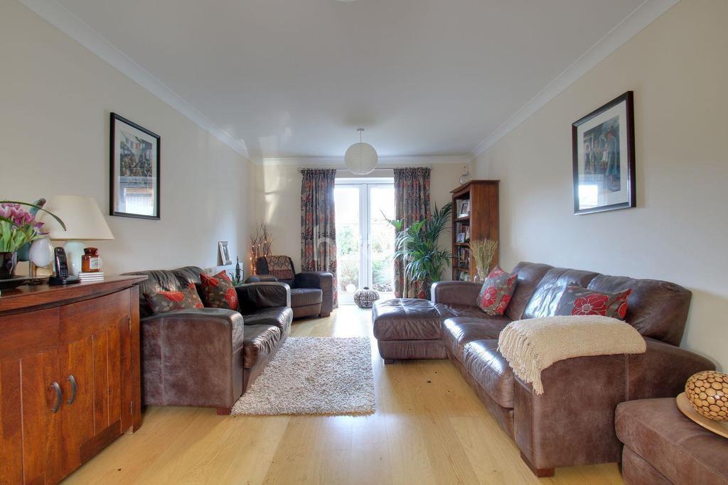 4 Bedrooms Detached House for sale in Brick Kiln Road, Stevenage Old Town