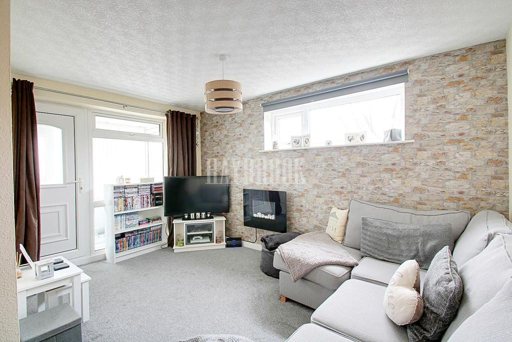 1 Bedroom End Of Terrace House for sale in Thopre Drive, Waterthorpe