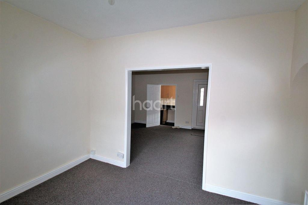 3 Bedrooms Terraced House for sale in St Johns Road, Edlngton, Doncaster