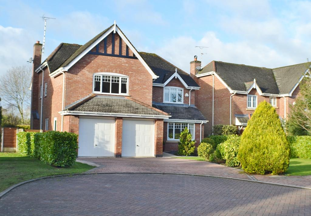 5 Bedrooms Detached House for sale in Hollycroft, Brereton Heath, Congleton