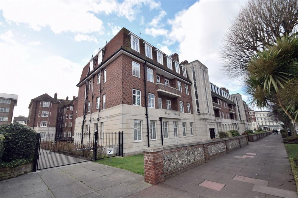 4 Bedrooms Flat for sale in Devonshire Place, Eastbourne, East Sussex