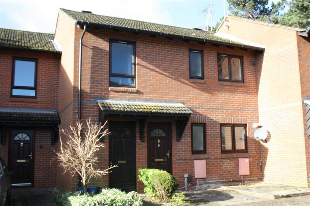 1 Bedroom Flat for sale in Coe Close, ALDERSHOT, Hampshire
