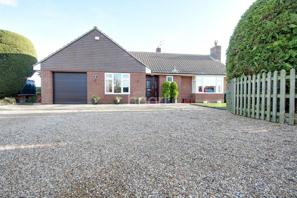 4 Bedrooms Bungalow for sale in Elmstead