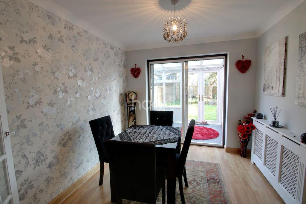 3 Bedrooms Detached House for sale in Brightlingsea