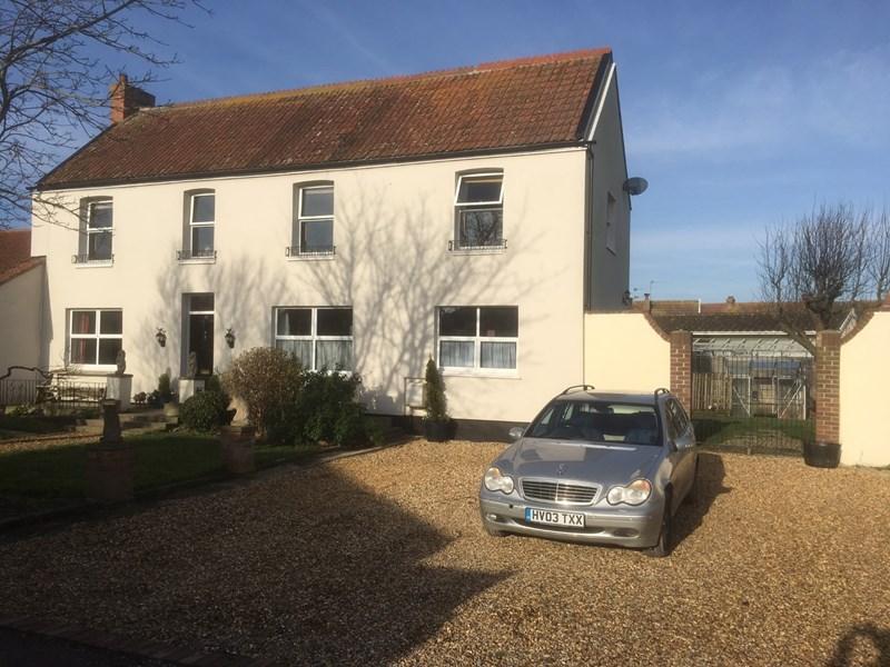 4 Bedrooms Semi Detached House for sale in Highbridge Road, Burnham-On-Sea