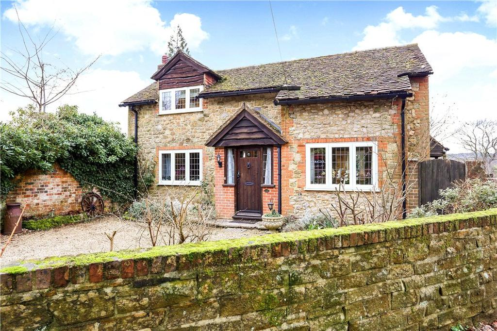 2 Bedrooms Detached House for sale in Courts Mount Road, Haslemere, Surrey, GU27