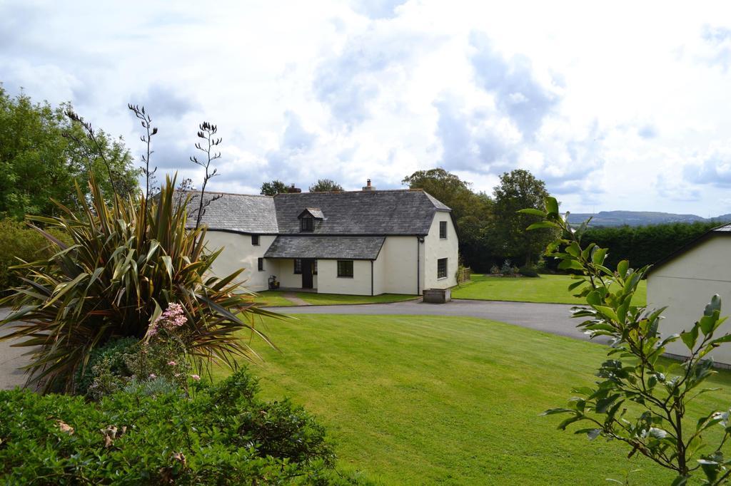4 Bedrooms Detached House for sale in Lanivet, Bodmin