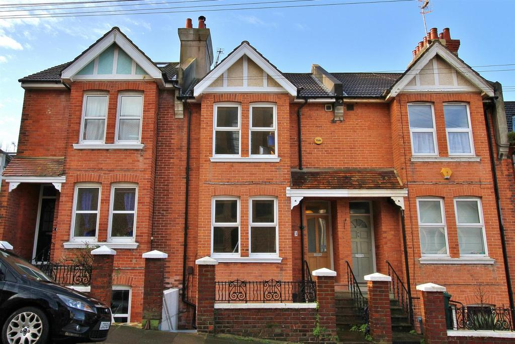3 Bedrooms Maisonette Flat for sale in Whippingham Road