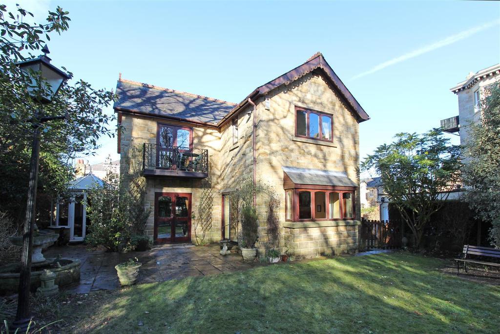 4 Bedrooms Detached House for sale in Park Road, Harrogate