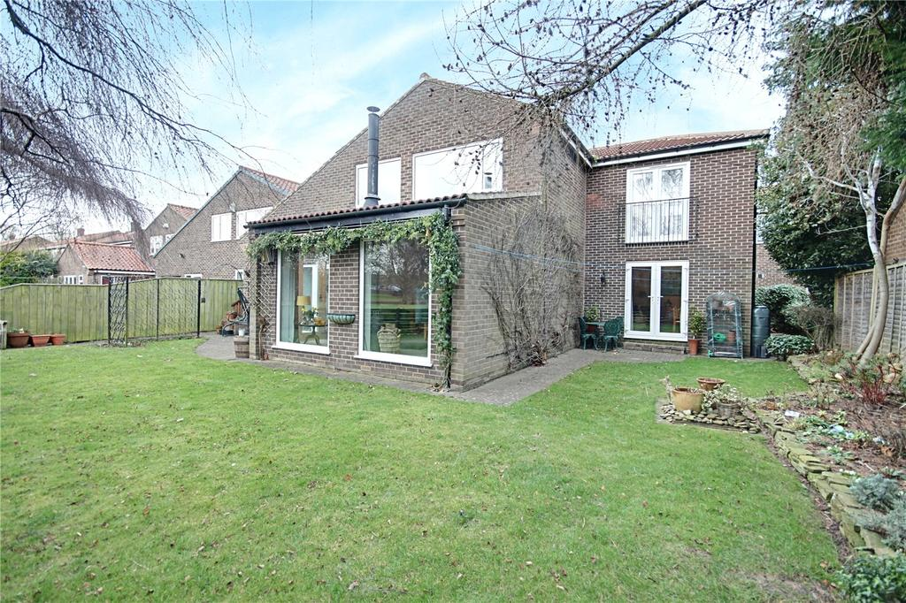 4 Bedrooms Detached House for sale in The Green, Longnewton