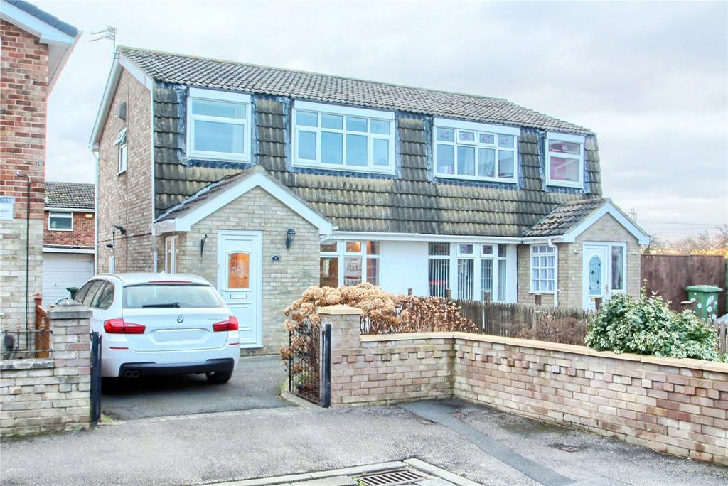 3 Bedrooms Semi Detached House for sale in Coombe Way, Hartburn