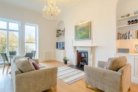 2 bedroom flat to rent - Queens Parade, Bath, Somerset, BA1