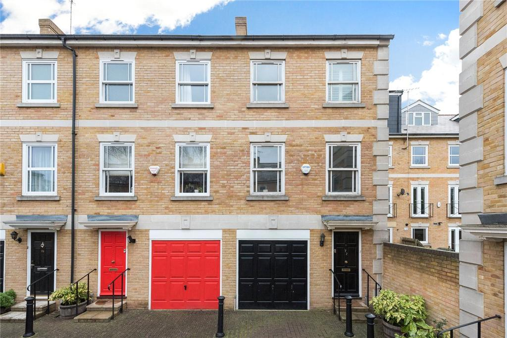 3 Bedrooms End Of Terrace House for sale in Clarence Mews, London, SE16