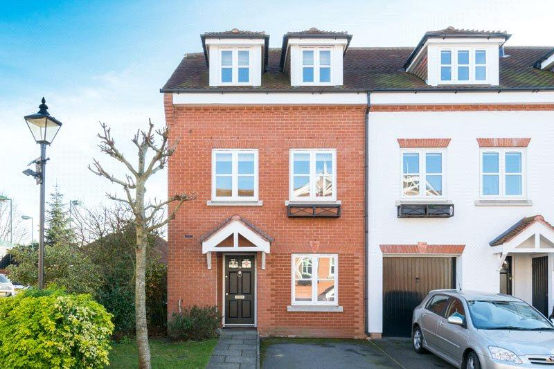 3 Bedrooms End Of Terrace House for sale in Pegasus Place, St. Albans, Hertfordshire