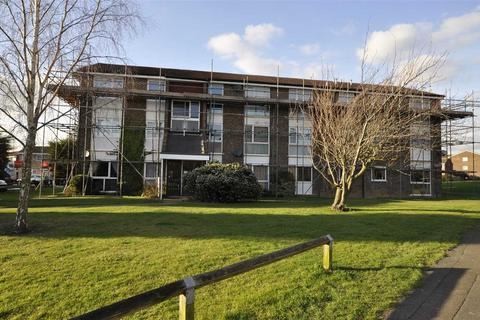 2 bedroom flat for sale - Cornflower Drive, Chelmsford