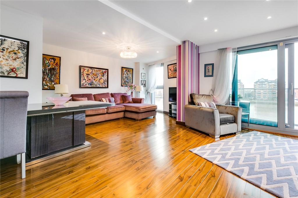 2 Bedrooms Flat for sale in Vicentia Court, Bridges Court Road, London
