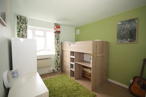 1 bedroom ground floor flat to rent - Grove Park Road, London, SE9