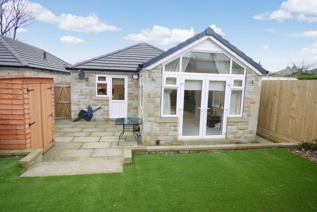 2 Bedrooms Detached Bungalow for sale in Halifax Road Hove Edge Brighouse