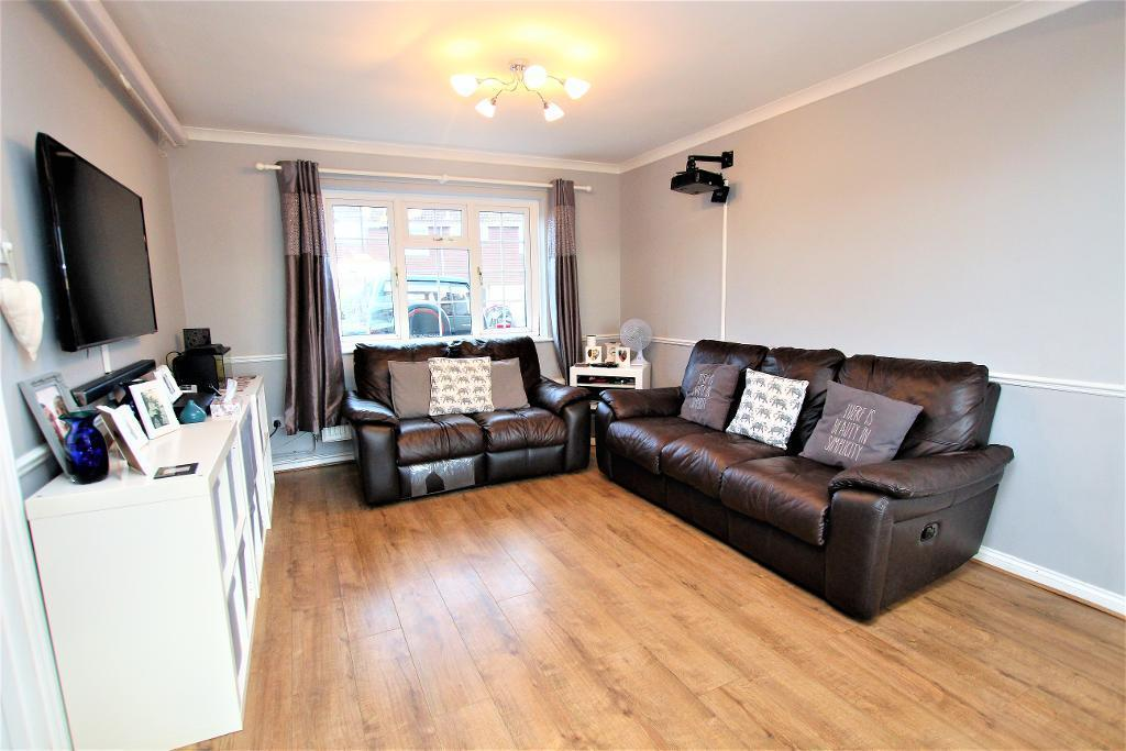3 Bedrooms End Of Terrace House for sale in Becketts Close, Maulden, Bedfordshire, MK45 2JL