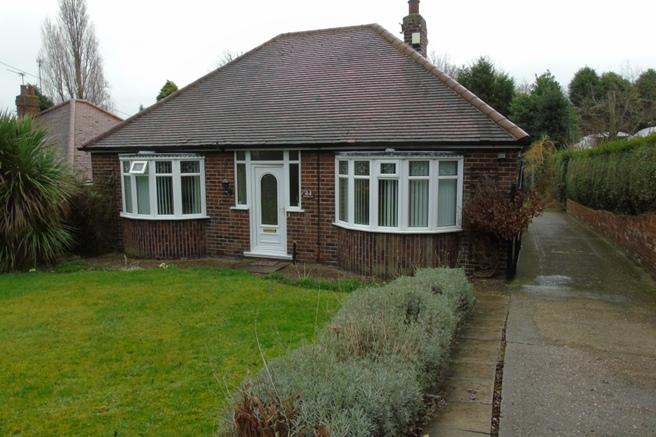 2 Bedrooms Bungalow for sale in 44 Greenside Lane, Hoyland, Barnsley, S74 9PZ