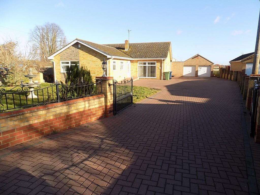 4 Bedrooms Detached Bungalow for sale in Station Road, Manea