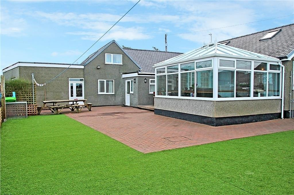 4 Bedrooms Detached Bungalow for sale in Gwalchmai, Anglesey, North Wales