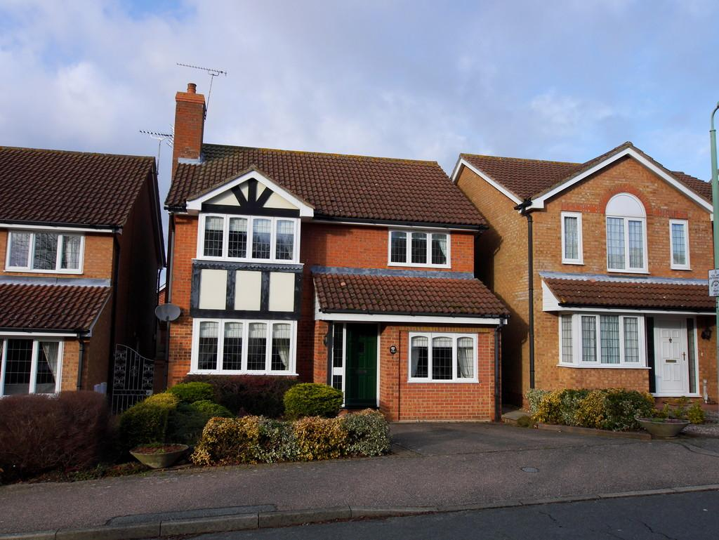 4 Bedrooms Detached House for sale in 72 Edwin Panks Road, Hadleigh, Ipswich IP7 5JL