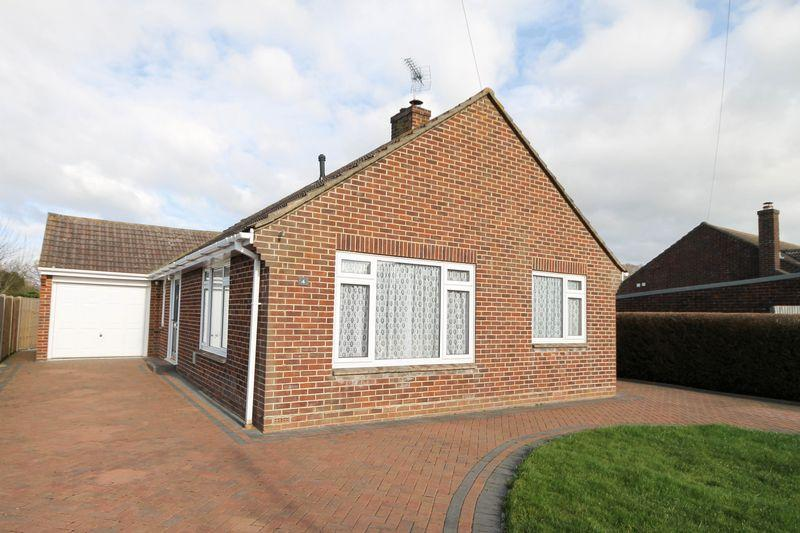 2 Bedrooms Bungalow for sale in Orchard Lane, Emsworth