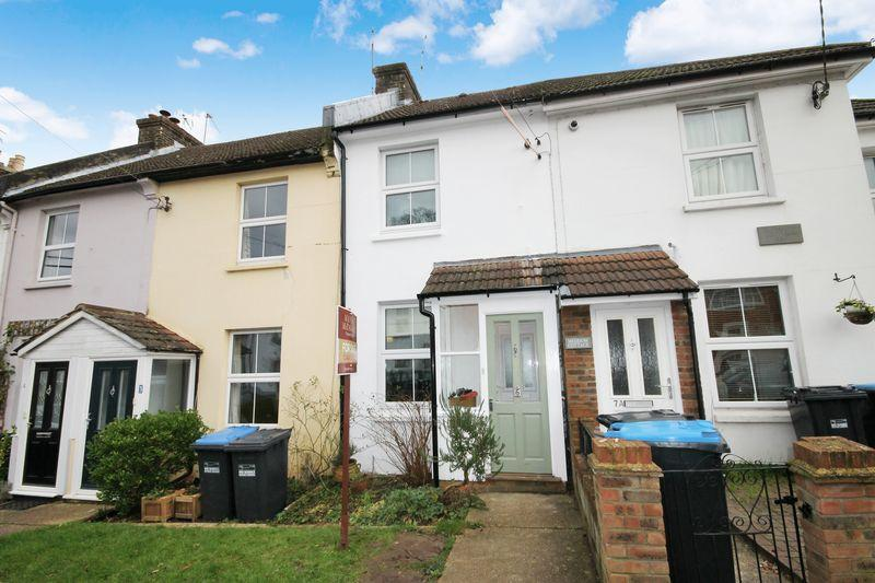 3 Bedrooms Terraced House for sale in Gladstone Road, Burgess Hill, West Sussex