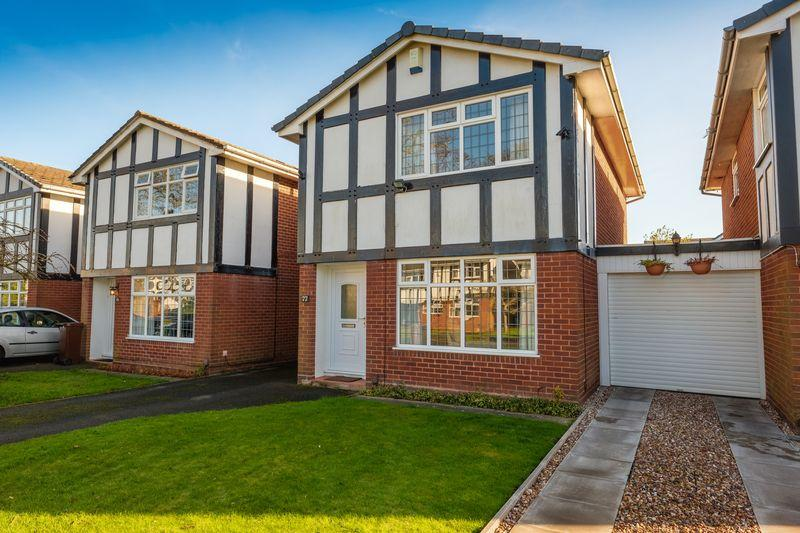 3 Bedrooms Detached House for sale in Woodcote Road, Tettenhall, Wolverhampton