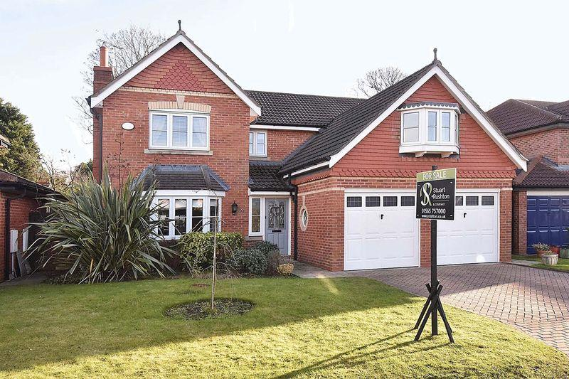 4 Bedrooms Detached House for sale in Immaculate modern house in Cuddington