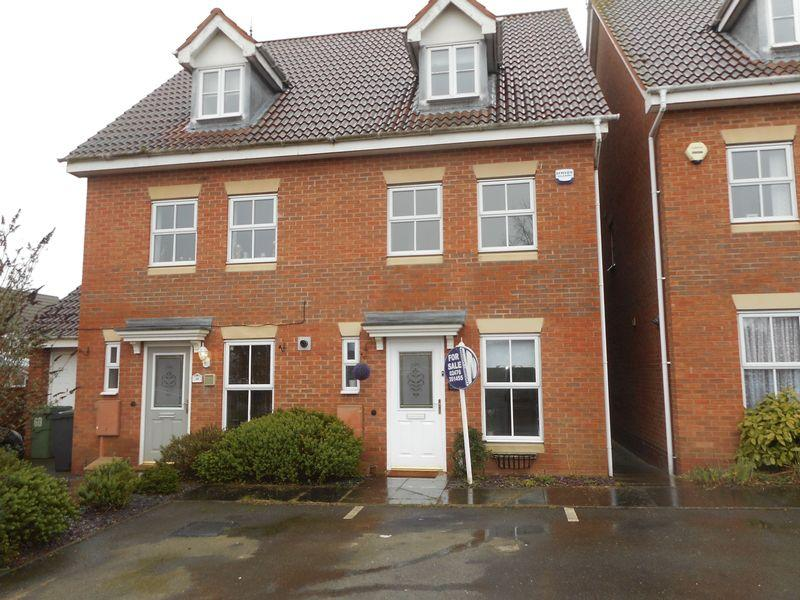 3 Bedrooms House for sale in Lilleburne Drive, Nuneaton