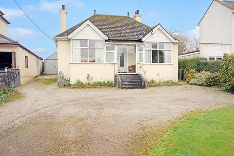2 bedroom detached bungalow for sale - Callington, Cornwall