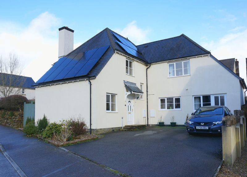 4 Bedrooms Detached House for sale in Werrington Drive, Callington